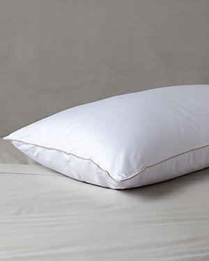 Stearns & Foster Luxury Down Alternative Pillow