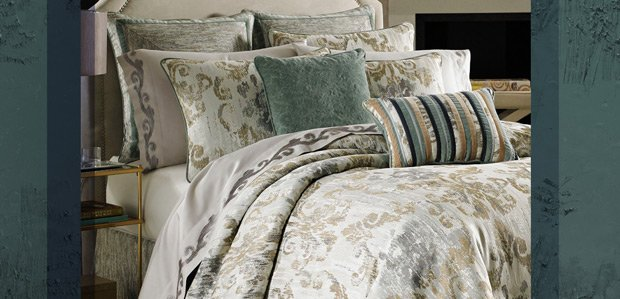 Retreat to Opulence: Indulgent Bed & Bath