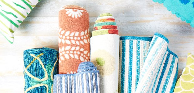 Deck Out the Patio for Spring: Rugs & Pillows