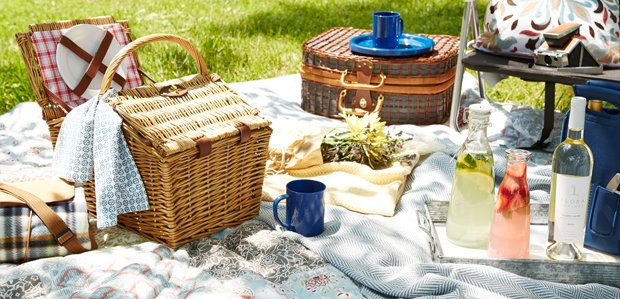 Coolers to Tables for a Spring Picnic